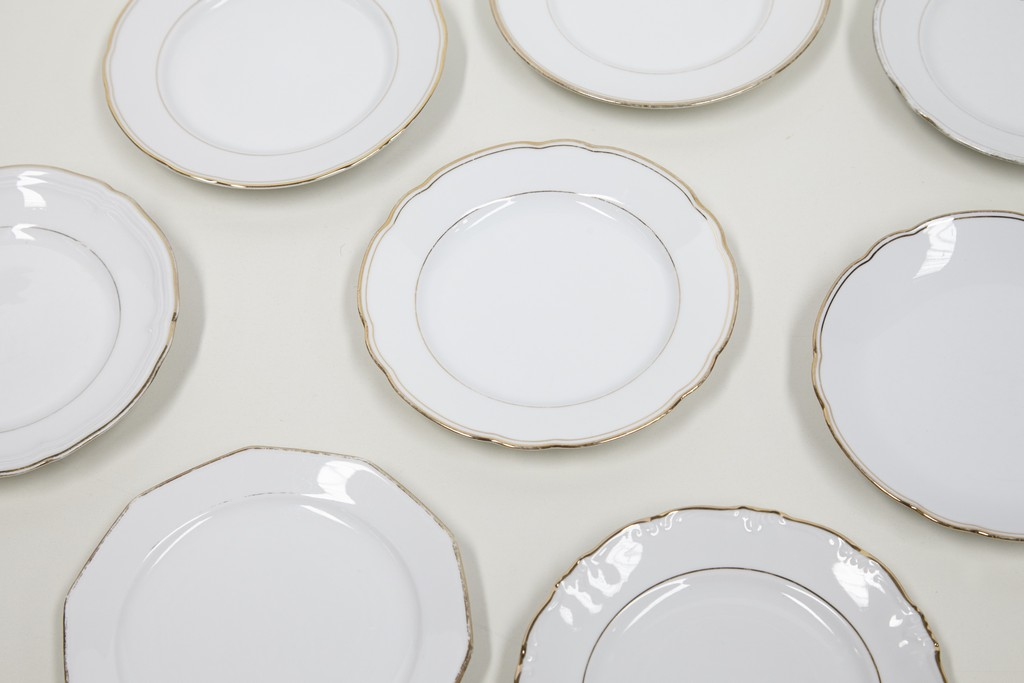 dessertborden-wit-met-gouden-rand-per-30-stuks-2483