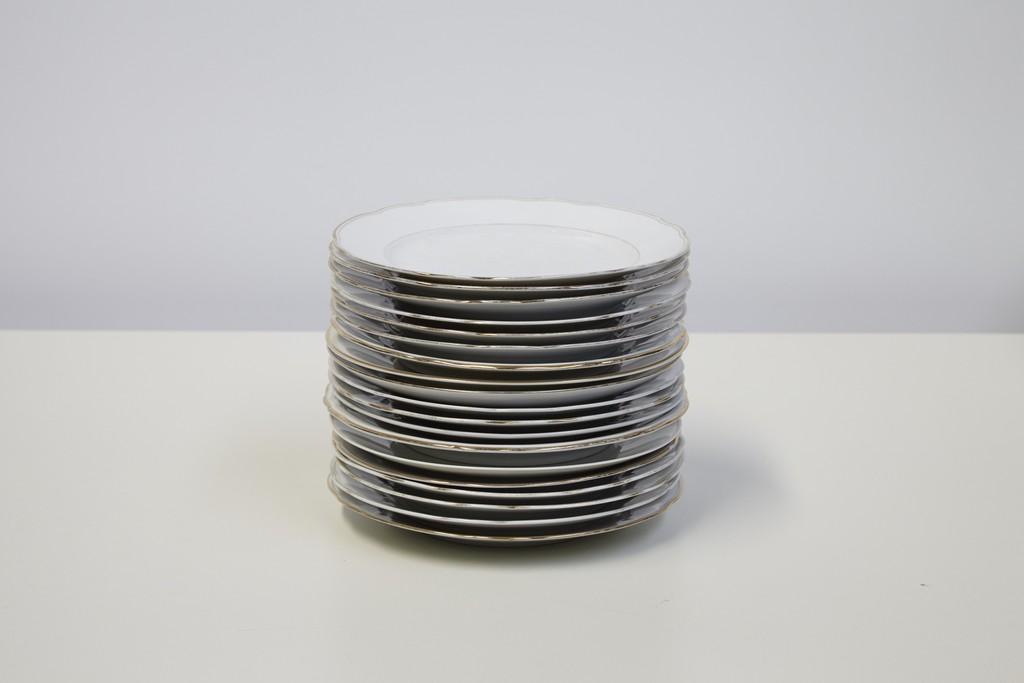 dineerborden-wit-met-gouden-rand-per-25-stuks-2479