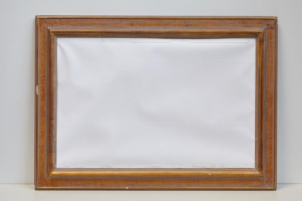 grote-lege-kader-met-wit-doek-3181