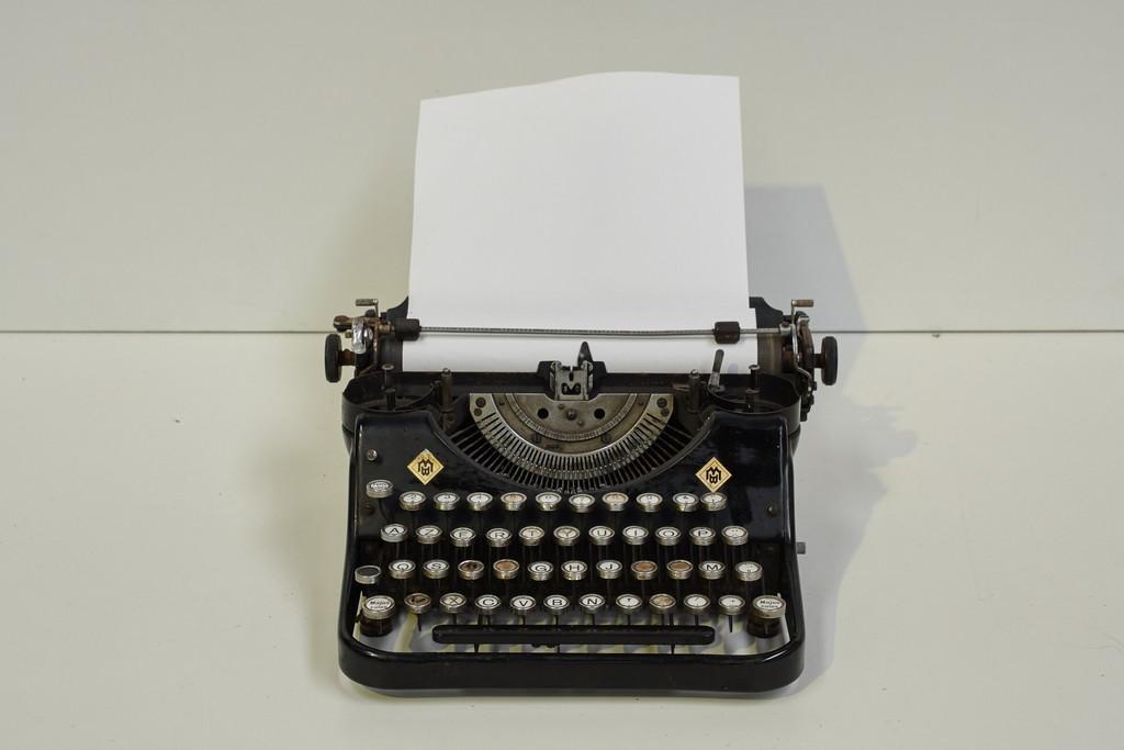 vintage-typemachine-3294